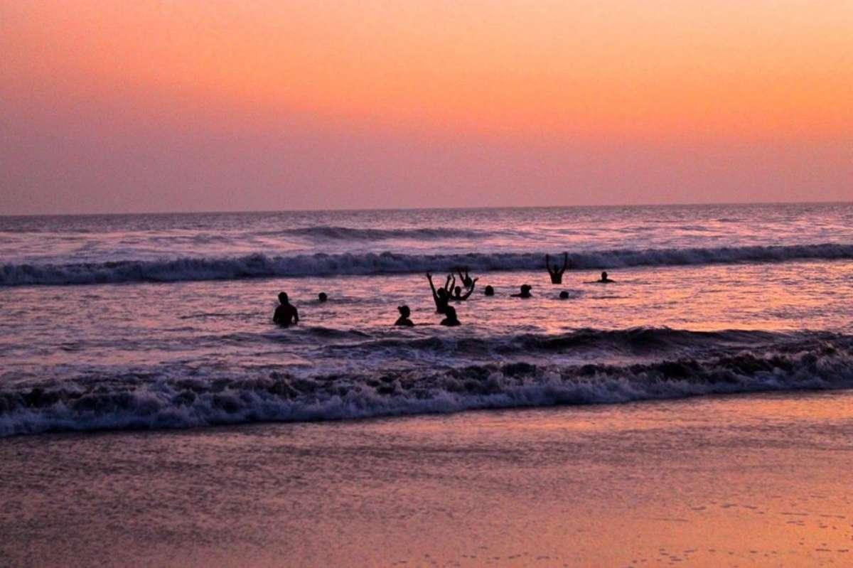 Cover baignade coucher de soleil - 10 bonnes raisons de venir triper au Nicaragua aux prochains NomadTALKS - Nomad Junkies