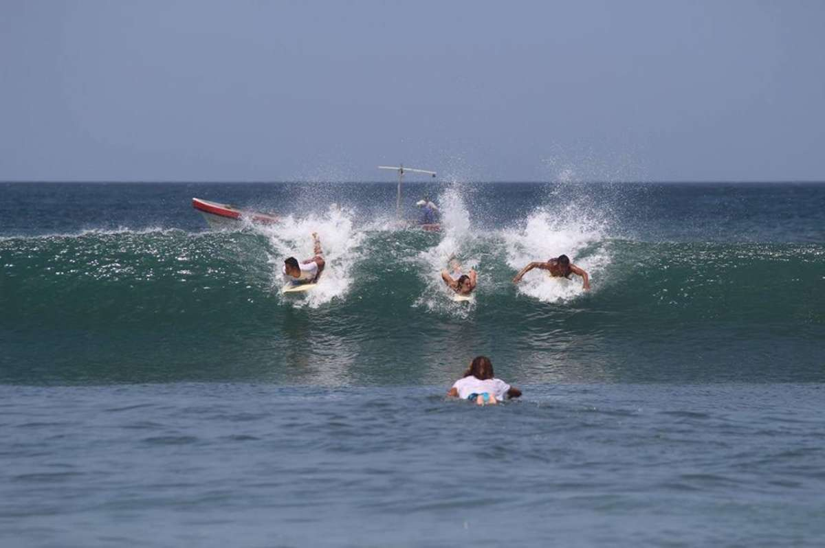 Free Spirit Cours de surf - 10 bonnes raisons de venir triper au Nicaragua aux prochains NomadTALKS - Nomad Junkies