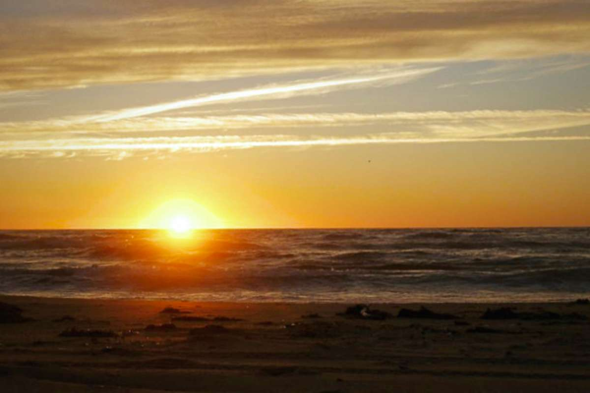 Plage coucher de soleil - Les Îles-de-la-Madeleine: mon petit coin de pays- Nomad Junkies