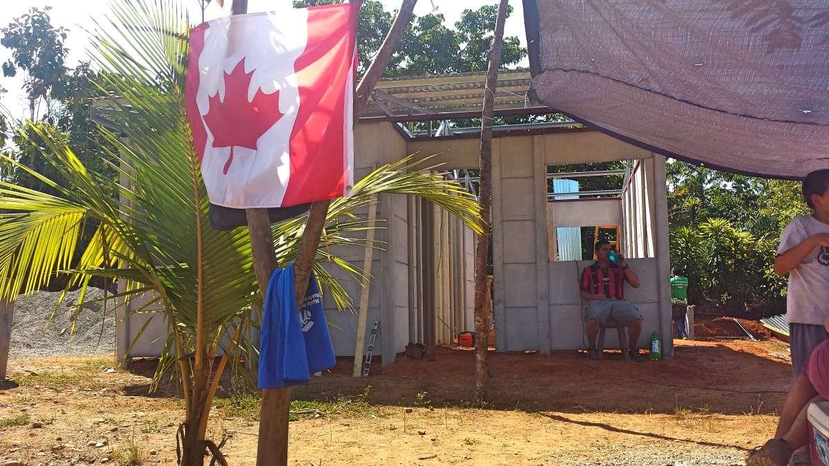 Construction - Voyager pour aider : comment démystifier le volontourisme, l'aide humanitaire et la solidarité internationale - Nomad Junkies