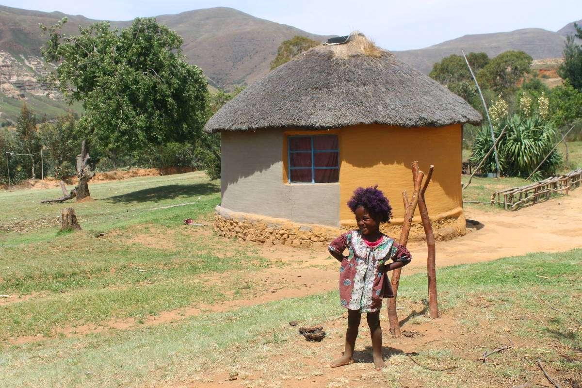 Lesotho petite fille - Top 5 des destinations dépaysantes pour 2018 (en backpack) - Nomad Junkies