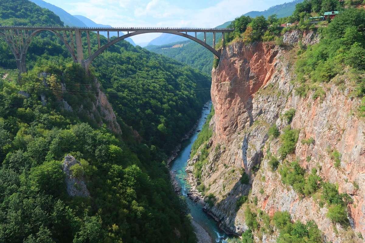 Canyon de la Tara - Top 5 des destinations dépaysantes pour 2018 (en backpack) - Nomad Junkies