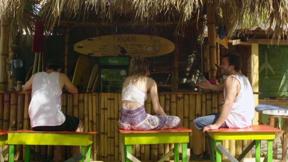 Free Spirit Bar Karl - Portrait de nomade : 7 questions à Karl du Free Spirit Hostel - Nomad Junkies