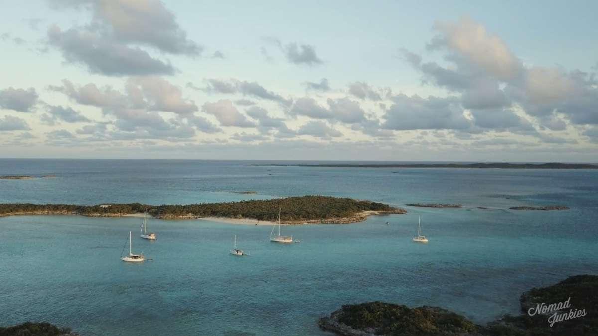 Exhumas - Épisode 5 : aux Bahamas – Génération Nomade - Nomad Junkies