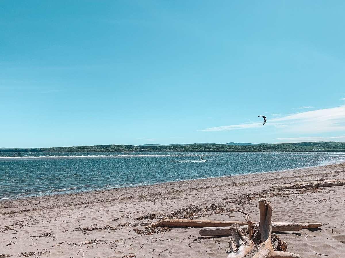 Plage Penouille - Itinéraire pour un tour de la Gaspésie magique cet été - Nomad Junkies