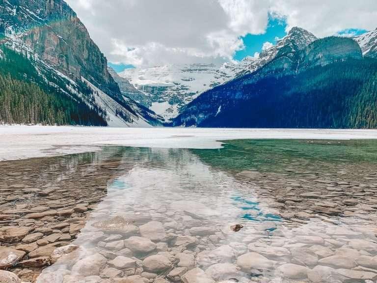 COVID-19 : la fin de l'isolement de 14 jours pour les voyageurs en Alberta?