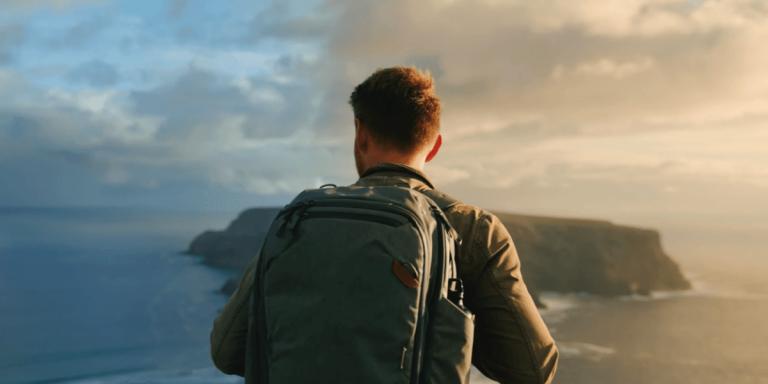 Tu peux télétravailler dans un « village nomade numérique » sur cette île paradisiaque du Portugal