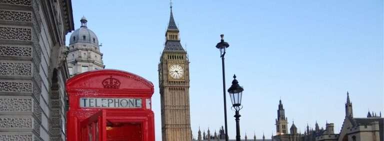 Tu peux remplir ton compte de banque de « British Pounds » en travaillant au Royaume-Uni grâce à ce visa