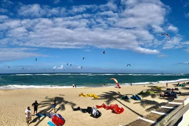 Le cadeau idéal pour les kitesurfers : 500 spotsde kitesurf dans le monde
